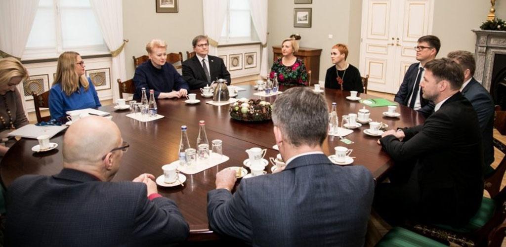 D. Grybauskaitė: švietimo reforma buvo arogantiškai stumiama