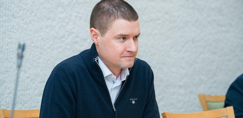 Seimas atmetė siūlymą švelninti bausmę už nedidelio narkotikų kiekio atsisiuntimą