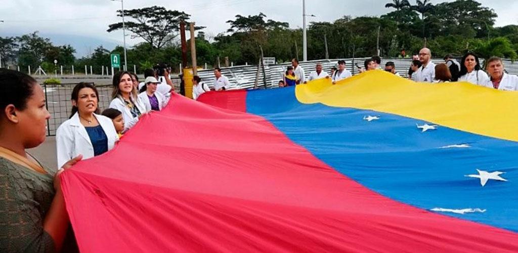 Vatikanas: Venesueloje reikia dialogo, išvengti kraujo praliejimo