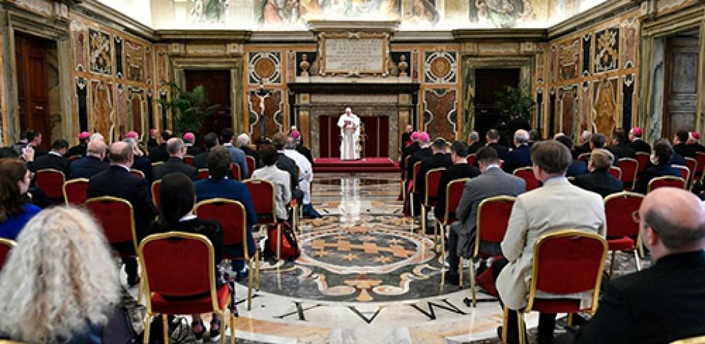Popiežius: tradicija neturi tapti istorine atgyvena