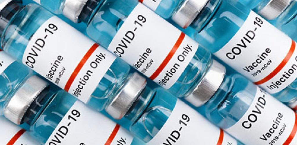 """Lietuvą pasiekė vienuoliktoji """"BioNTech & Pfizer"""" vakcinų nuo koronaviruso siunta"""