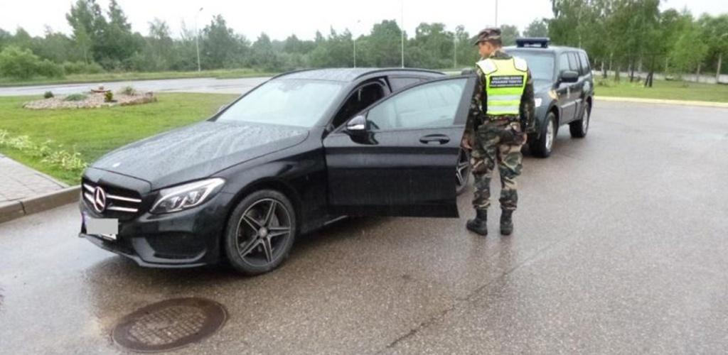 Lietuvos pasieniečiai sulaiko vis daugiau užsienyje vogtų automobilių – statistika